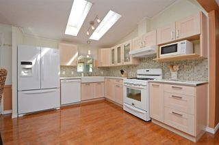 """Photo 8: 44 145 KING EDWARD Street in Coquitlam: Maillardville Manufactured Home for sale in """"MILL CREEK VILLAGE"""" : MLS®# R2300714"""
