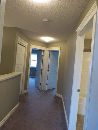 Photo 7: 2836 16 Avenue NW in Edmonton: Zone 30 Attached Home for sale : MLS®# E4129480