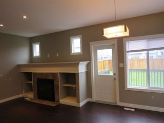 Photo 5: 2836 16 Avenue NW in Edmonton: Zone 30 Attached Home for sale : MLS®# E4129480
