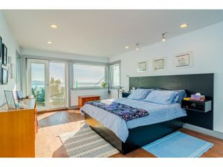 Photo 15: 15083 VICTORIA Avenue: White Rock House for sale (South Surrey White Rock)  : MLS®# R2339599