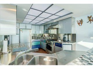 Photo 10: 15083 VICTORIA Avenue: White Rock House for sale (South Surrey White Rock)  : MLS®# R2339599