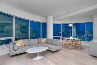 """Photo 3: 407 1661 ONTARIO Street in Vancouver: False Creek Condo for sale in """"Sails"""" (Vancouver West)  : MLS®# R2341882"""