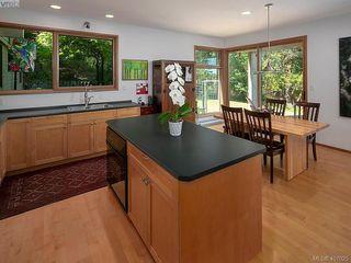 Photo 4: 5601 Matterhorn Crt in VICTORIA: SW West Saanich Single Family Detached for sale (Saanich West)  : MLS®# 808895