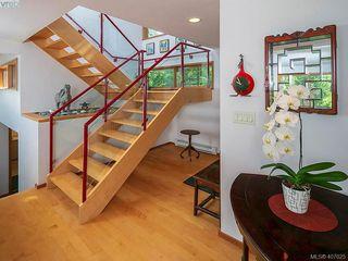 Photo 3: 5601 Matterhorn Crt in VICTORIA: SW West Saanich Single Family Detached for sale (Saanich West)  : MLS®# 808895
