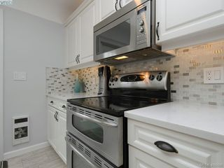 Photo 10: 1216 Pearce Crescent in VICTORIA: SE Blenkinsop Single Family Detached for sale (Saanich East)  : MLS®# 408086