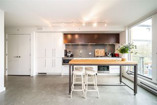 """Photo 5: 605 150 E CORDOVA Street in Vancouver: Downtown VE Condo for sale in """"InGastown"""" (Vancouver East)  : MLS®# R2361641"""