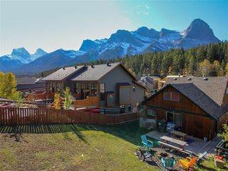 Photo 2: 274 Three Sisters Drive: Canmore Detached for sale : MLS®# C4253079