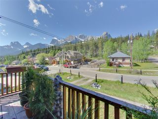 Photo 5: 274 Three Sisters Drive: Canmore Detached for sale : MLS®# C4253079