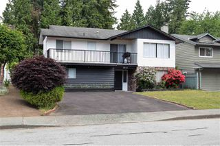 """Photo 2: 2647 PATRICIA Avenue in Port Coquitlam: Woodland Acres PQ House for sale in """"WOODLAND ACRES"""" : MLS®# R2378616"""