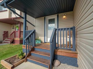 Photo 2: 9433 80 Avenue: Morinville House Half Duplex for sale : MLS®# E4164686
