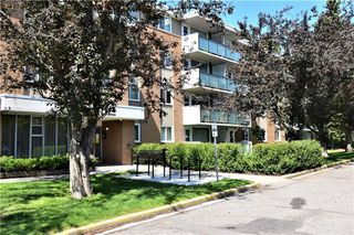 Photo 1: 426 1616 8 Avenue NW in Calgary: Hounsfield Heights/Briar Hill Apartment for sale : MLS®# C4262463