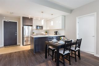 """Main Photo: 328 22 E ROYAL Avenue in New Westminster: Fraserview NW Condo for sale in """"The Lookout- Victoria Hill"""" : MLS®# R2410375"""