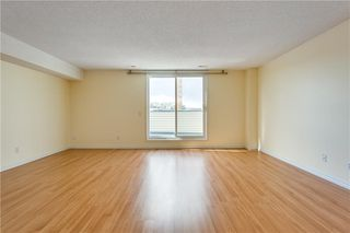 Photo 10: 808 1540 29 Street NW in Calgary: St Andrews Heights Apartment for sale : MLS®# C4273324