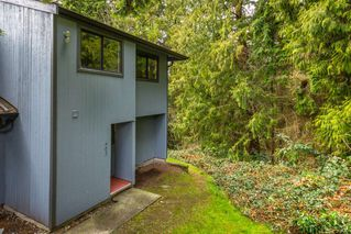 Photo 1: 902 BRITTON Drive in Port Moody: North Shore Pt Moody Townhouse for sale : MLS®# R2443680