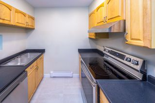 Photo 5: 902 BRITTON Drive in Port Moody: North Shore Pt Moody Townhouse for sale : MLS®# R2443680