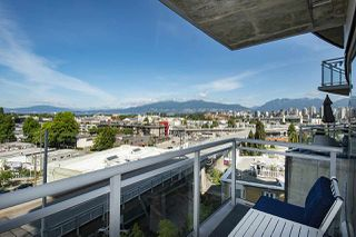 "Photo 21: 802 1565 W 6TH Avenue in Vancouver: False Creek Condo for sale in ""6TH and FIR"" (Vancouver West)  : MLS®# R2493032"