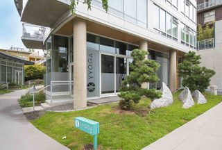 "Photo 19: 802 1565 W 6TH Avenue in Vancouver: False Creek Condo for sale in ""6TH and FIR"" (Vancouver West)  : MLS®# R2493032"