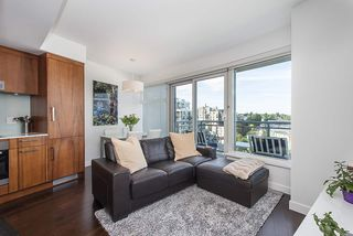 "Photo 7: 802 1565 W 6TH Avenue in Vancouver: False Creek Condo for sale in ""6TH and FIR"" (Vancouver West)  : MLS®# R2493032"