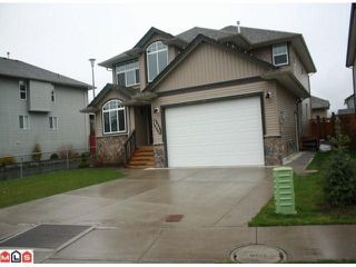 """Photo 1: 34807 1ST Avenue in Abbotsford: Sumas Mountain House for sale in """"HUNTINGDON"""" : MLS®# F1108749"""