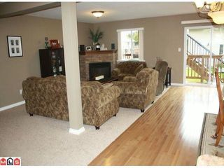 "Photo 9: 34807 1ST Avenue in Abbotsford: Sumas Mountain House for sale in ""HUNTINGDON"" : MLS®# F1108749"