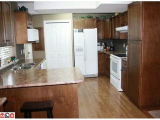 """Photo 10: 34807 1ST Avenue in Abbotsford: Sumas Mountain House for sale in """"HUNTINGDON"""" : MLS®# F1108749"""