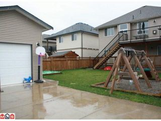 "Photo 3: 34807 1ST Avenue in Abbotsford: Sumas Mountain House for sale in ""HUNTINGDON"" : MLS®# F1108749"