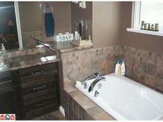 "Photo 8: 34807 1ST Avenue in Abbotsford: Sumas Mountain House for sale in ""HUNTINGDON"" : MLS®# F1108749"