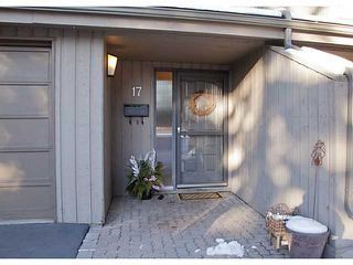 Photo 2: 17 10457 19 Street SW in CALGARY: Braeside_Braesde Est Townhouse for sale (Calgary)  : MLS®# C3593215