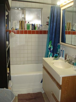 Photo 4: PACIFIC BEACH Property for sale: 2166-2170 Thomas Avenue in San Diego