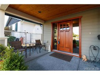 Photo 2: 947 Bray Ave in VICTORIA: La Langford Proper House for sale (Langford)  : MLS®# 690628