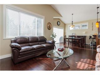 Photo 6: 947 Bray Ave in VICTORIA: La Langford Proper House for sale (Langford)  : MLS®# 690628