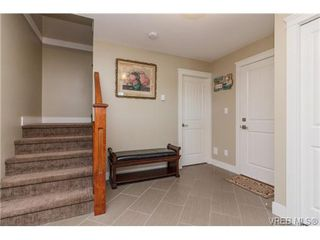 Photo 3: 947 Bray Ave in VICTORIA: La Langford Proper House for sale (Langford)  : MLS®# 690628
