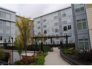 Main Photo: 215 13728 108TH Avenue in Surrey: Whalley Condo for sale (North Surrey)  : MLS®# F1438705