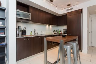 Photo 3: 1106 1028 BARCLAY Street in Vancouver: West End VW Condo for sale (Vancouver West)  : MLS®# V1136110
