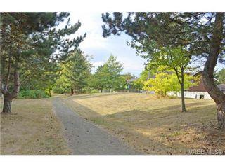 Photo 19: 306 4394 West Saanich Rd in VICTORIA: SW Royal Oak Condo for sale (Saanich West)  : MLS®# 737923