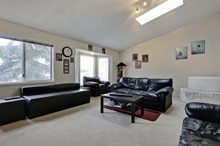 Photo 3: 2 29 Street SW in Calgary: 4 Plex for sale : MLS®# C3642111