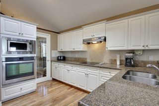 Photo 11: 229 Valley Ridge Green NW in Calgary: Bungalow for sale : MLS®# C3621000
