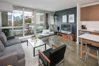 "Photo 2: 405 221 UNION Street in Vancouver: Mount Pleasant VE Condo for sale in ""V6A"" (Vancouver East)  : MLS®# R2115784"