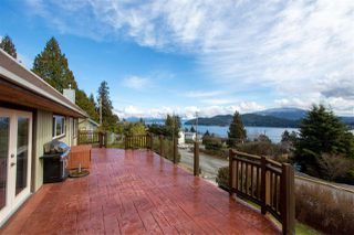 Photo 1: 561 ABBS Road in Gibsons: Gibsons & Area House for sale (Sunshine Coast)  : MLS®# R2144785