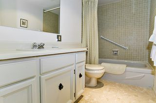 Photo 16: 902 1341 CLYDE Ave in Clyde Garden: Home for sale : MLS®# V739581