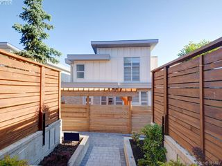 Photo 15: 1038 Harling Lane in VICTORIA: Vi Fairfield West House for sale (Victoria)  : MLS®# 759991