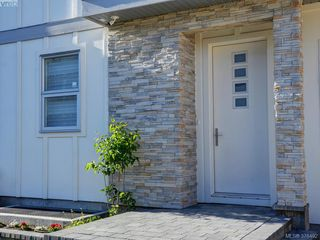 Photo 17: 1038 Harling Lane in VICTORIA: Vi Fairfield West House for sale (Victoria)  : MLS®# 759991