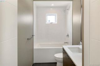 Photo 11: 1038 Harling Lane in VICTORIA: Vi Fairfield West House for sale (Victoria)  : MLS®# 759991