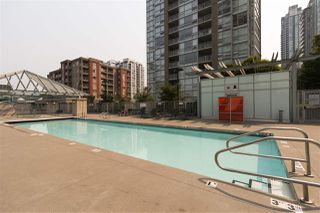 Photo 18: 1708 2968 GLEN Drive in Coquitlam: North Coquitlam Condo for sale : MLS®# R2195085