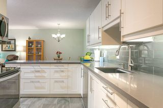 """Photo 3: T3207 3980 CARRIGAN Court in Burnaby: Government Road Townhouse for sale in """"DISCOVERY PLACE"""" (Burnaby North)  : MLS®# R2196843"""