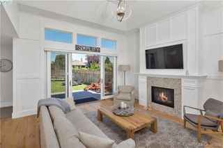 Photo 5: 2174 Beaverbrooke Street in VICTORIA: OB South Oak Bay Single Family Detached for sale (Oak Bay)  : MLS®# 383408
