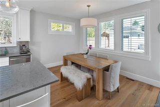 Photo 9: 2174 Beaverbrooke Street in VICTORIA: OB South Oak Bay Single Family Detached for sale (Oak Bay)  : MLS®# 383408