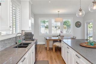 Photo 4: 2174 Beaverbrooke Street in VICTORIA: OB South Oak Bay Single Family Detached for sale (Oak Bay)  : MLS®# 383408