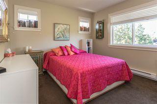 "Photo 15: 41723 HONEY Lane in Squamish: Brackendale House 1/2 Duplex for sale in ""Honey Lane"" : MLS®# R2210850"