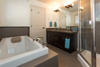 "Photo 14: 41723 HONEY Lane in Squamish: Brackendale House 1/2 Duplex for sale in ""Honey Lane"" : MLS®# R2210850"